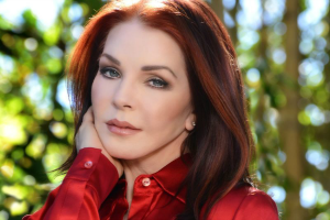 Photo_credit_Christopher_Ameruoso_Priscilla_Presley_2015_c